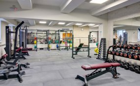 Fitness-Hall Avrora